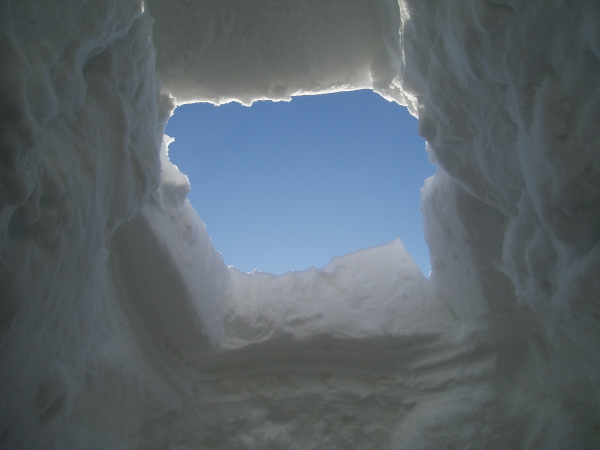 igloo, just before the capstone is dropped in